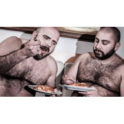 Cooking with the bears. Healthy recipes by hairy men (en anglais)